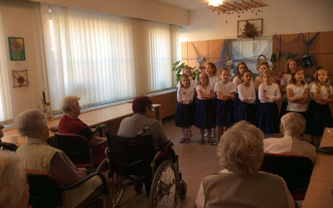 Projekt 72 hodin aneb Zpíváme a tančíme v penzionu pro seniory
