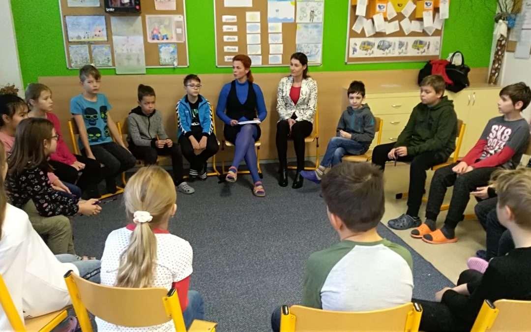 Žáci čtvrtého ročníku se seznámili s prací kurátora OSPOD